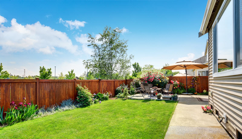 Clean and relaxing backyard
